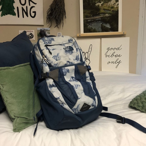 6c853ca08 The North Face Recon Backpack Yosemite Print